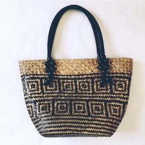 Handbags - Weaved straw tote bag purse black &tan